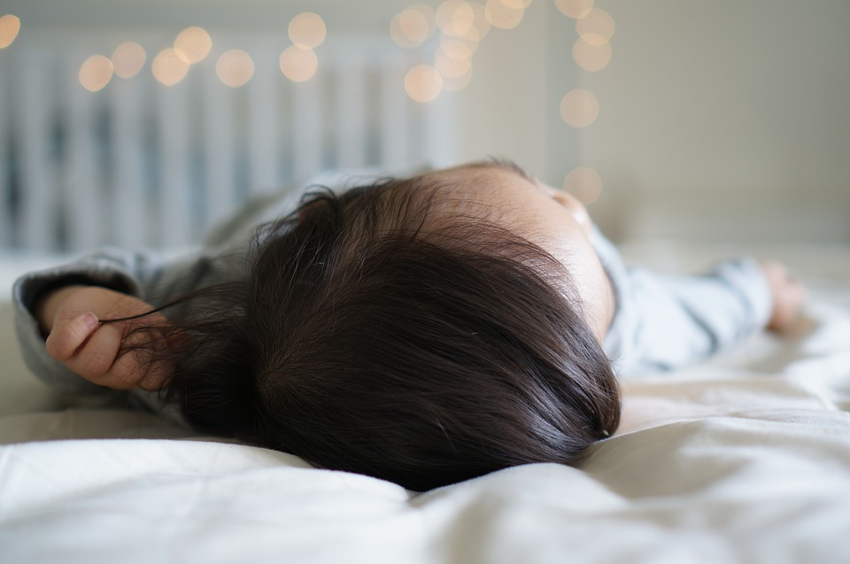 7 Simple Tips To Help You Buy A Safe Baby Mattress