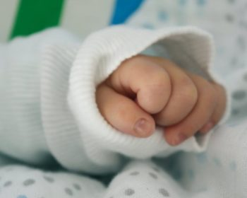 6 Tips to Dress Up Your Newborn Baby