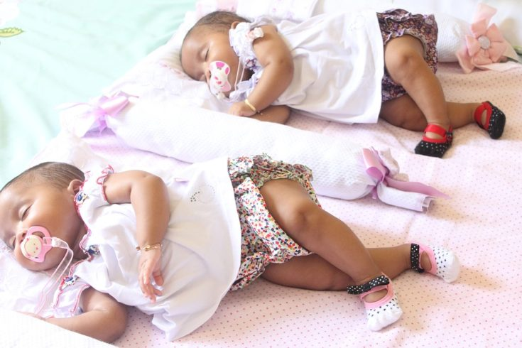 Four Tips for New Moms of Twins that Will Help You Keep Up Your Energy
