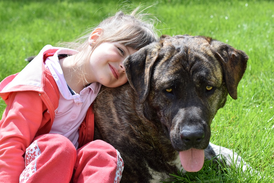 Benefits of a Dog Growing Up With Your Kids