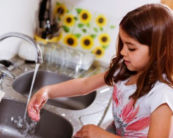 5 Easy Ways to Teach Kids to Save Water